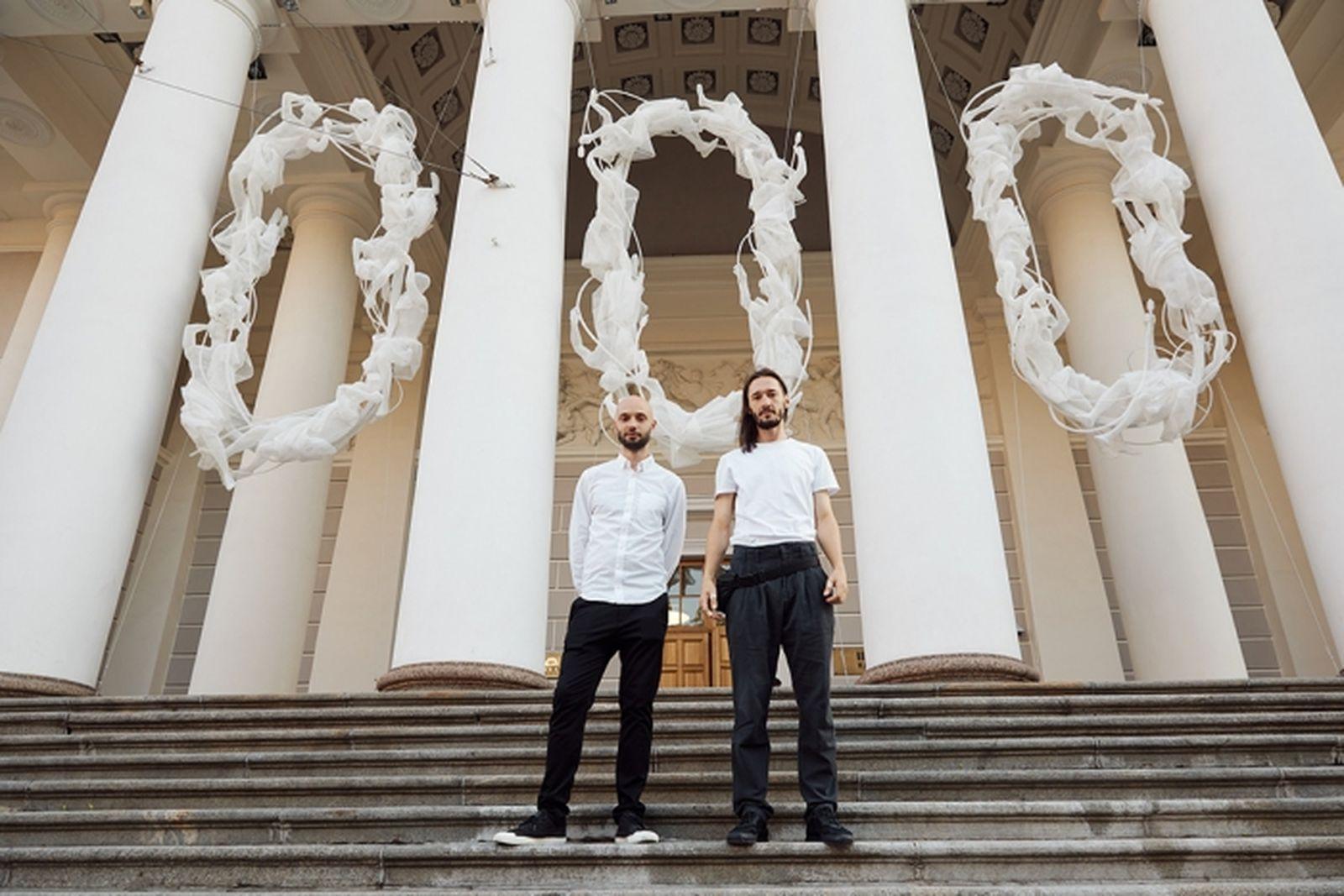 В дуэте Recycle group художники работают с 2008 года / Андрей Блохин и Георгий Кузнецов, фотограф Дмитрий Смирнов