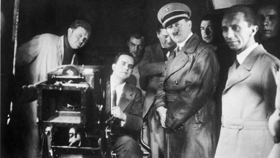 Гитлер и Геббельс на съемочной площадке