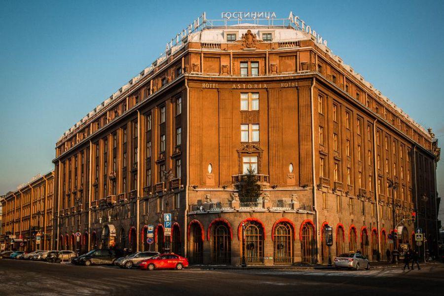 «Астория» — самая известная гостиница Петербурга, открытая ещё в 1912 году