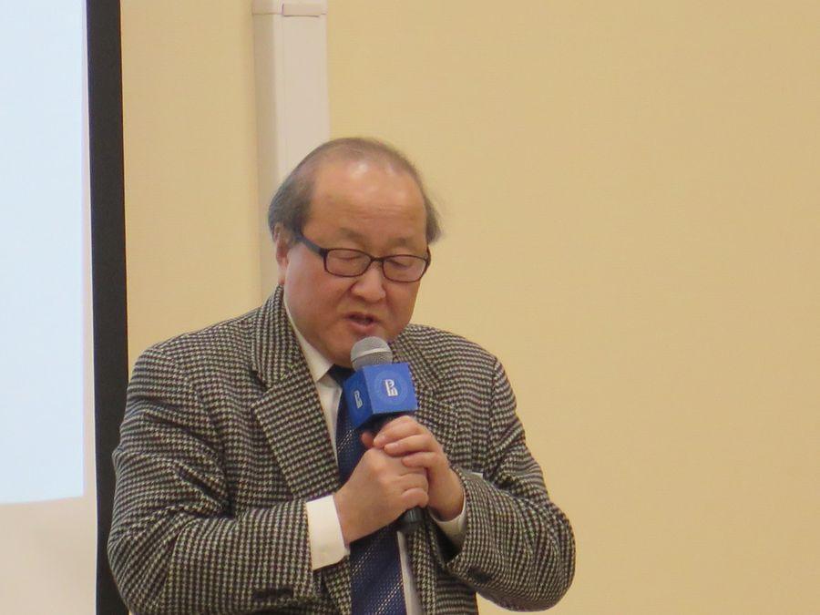 Мицуёси Нумано выступает на конференции в НИУ ВШЭФото: Павел Соколов, 2019